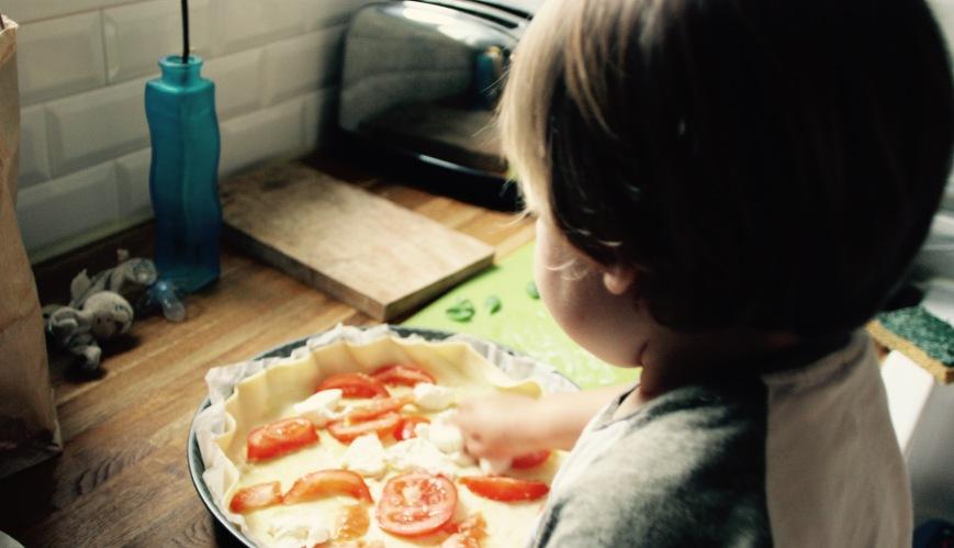 Quiche d'été tomate mozza basilic